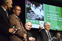 Cena Santa Lucia 2011:Alberto Piatti, Padre Teklé Mekonnen, Mons. Silvano Tomasi con Graziano Debellini