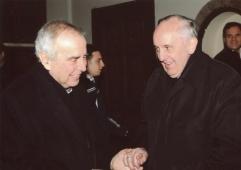 Padre Bergoglio con don Giacomo Tantardini